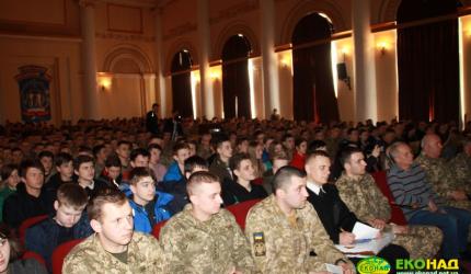 Бути військовим тепер престижно! Учні «ЕКОНАДу» на «Ярмарку військових професій»