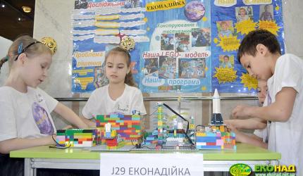 Учні 3-В класу НВК №30 «ЕКОНАД» традиційні учасники Всеукраїнського фестивалю ROBOfirst